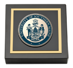 University of Southern Maine Paperweight - Masterpiece Medallion Paperweight
