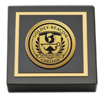 Goldey-Beacom College Paperweight - Gold Engraved Medallion Paperweight