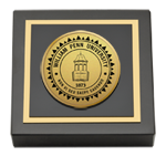 William Penn University Paperweight - Gold Engraved Medallion Paperweight