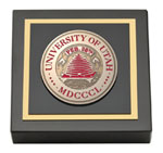 The University of Utah Paperweight - Masterpiece Medallion Paperweight